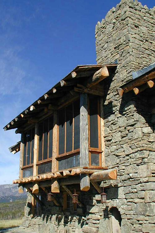 Alpine_Roddy-Chalet-3